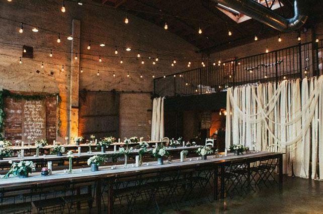 Изысканная простота: свадьба в стиле лофт, украшение зала - The-wedding.ru