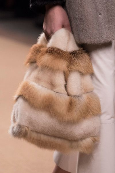 Simonetta Ravizza at Milan Fall 2016 (Details)