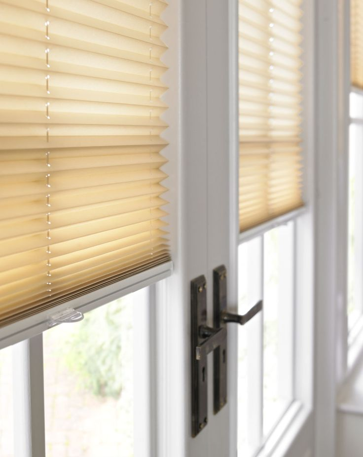 25 best ideas about patio door blinds on pinterest for Patio window treatment ideas