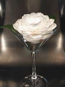 Search Martini glass centerpiece with flowers. Views 213658.