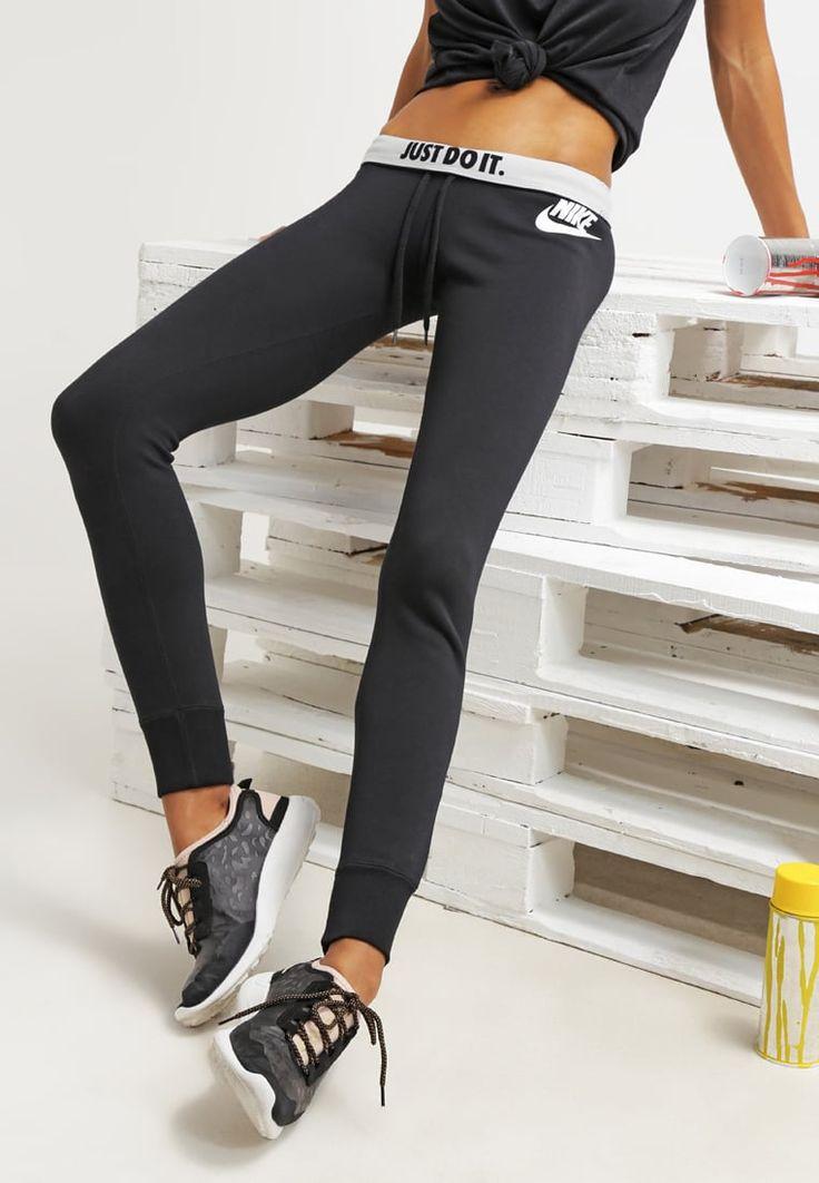 Femme Nike Sportswear RALLY - Pantalon de survêtement - black/white noir: 45,00 € chez Zalando (au 30/04/16). Livraison et retours gratuits et service client gratuit au 0800 740 357.