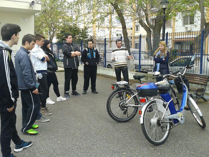 Ηλεκτρικά ποδήλατα ELIA-Παρουσίαση στο 1ο ΕΠΑΛ ΑΜΠΕΛΟΚΗΠΩΝ ΘΕΣΣΑΛΟΝΙΚΗΣ των ηλεκτρικών ποδηλάτων και της σημαντικής τους συμβολής στην οικονομία και οικολογία. www.eliabikes.gr