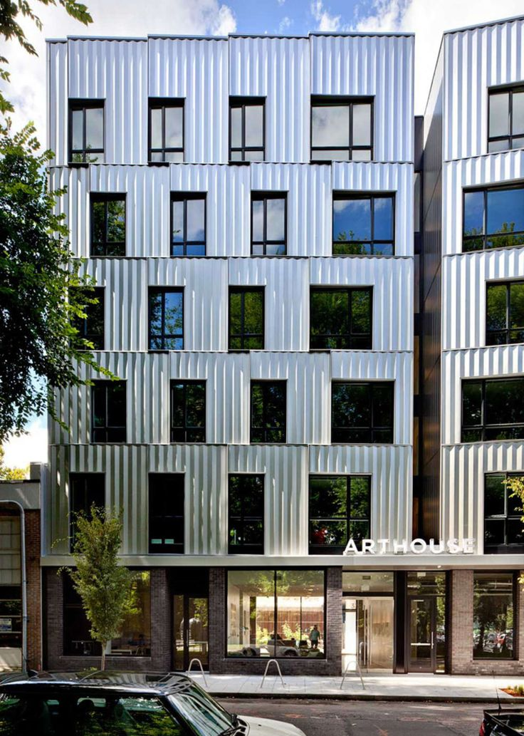 ArtHouse is a new model of student housing developed for the Pacific Northwest College of Art in Portland, Oregon. Situated within an urban campus, this 6-st...