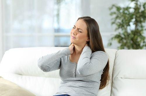 激しい筋肉の痛みやコリ、押すと常に痛みを感じ、慢性的に疲労感があるという線維筋痛症。近年患者数は増加しており、アメリカでは全人口の4%がこの病気を持っていると言われています。男性に比べ、女性の患者が圧倒的に多のですが、現代医療では原因も明確なものはありません。#自然療法#健康#ヘルス#医療#ナチュロパシー
