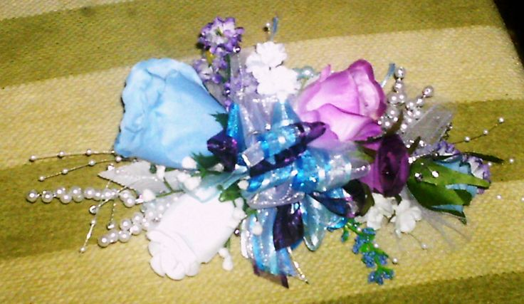 Mother of the Brides wrist corsage for Lisa