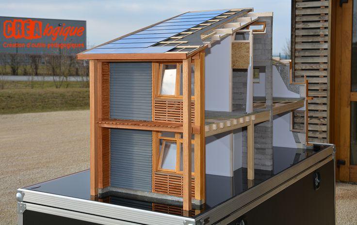 Dernière création de Créalogique : coupe à l'échelle 1:10e du premier bâtiment à énergie positive en Poitou Charentes. Cette maquette offre de nombreux écorchés permettant de comprendre les systèmes constructifs utilisés.