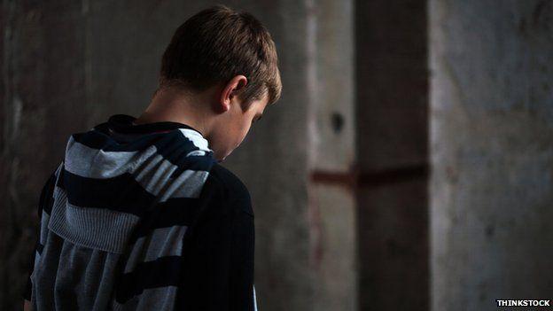 Miliband pledge to end child mental health 'neglect' /BBC