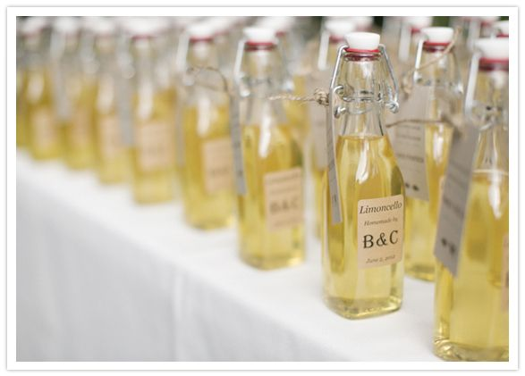 Wedding favor idea: custom (limoncello) bottles and labels