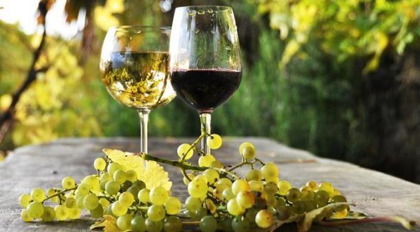 """Elementi non previsti potrebbero incidere sul prossimo anno, come per esempio le escursioni climatiche e il """"fattore #Trump"""" che potrebbe colpire anche i nostri #prodotti. #federvini #bilancio #mercato #wine #vini #previsioni"""