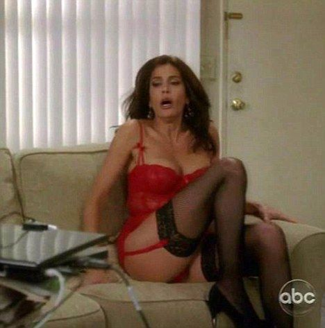 Desperate housewives show upskirt
