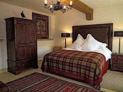 The Byre cottage, Tartan bedroom
