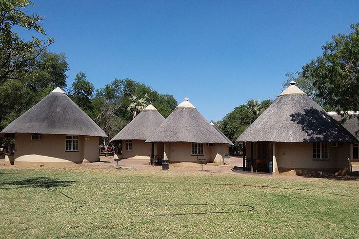 Chalets im Letaba Rest Camp des Krüger Nationalparks, Südafrika. Die perfekte Unterkunft für Safaris im berühmten Krüger Nationalpark bei einer Selbstfahrerreise durch Südafrika.