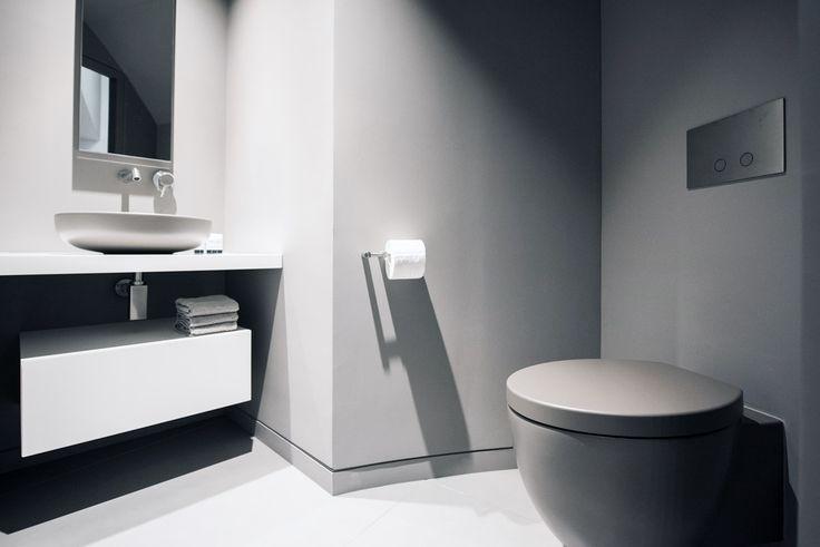 Espace toilette design. Plus d'infos sur : http://www.v-korr.com/home/mobilier-residentiel-solid-surface/