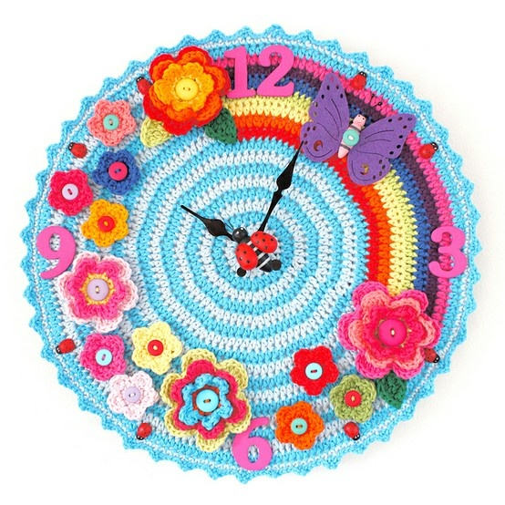 Anna+found+this+adorable+crocheted+clock.+Free+pattern!+Whos+gonna+make+it?+Ravelry:+Crochet+Oclock+pattern+by+Matt+Farci - Click image to find more DIY & Crafts Pinterest pins