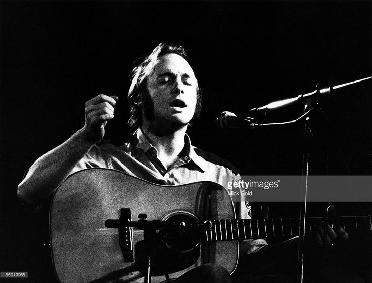 WEMBLEY Photo of Stephen STILLS and CROSBY STILLS & NASH, Stephen Stills. Crosby, Stills, Nash & Young