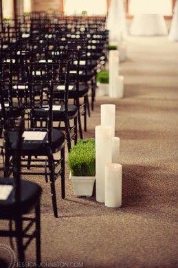 Black, Green, and White Aisle Decor. Photography by Jessica Johnston. Floral and Decor by Modern Day Floral and Events.