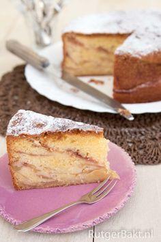 Rutger bakt: Oma's appelcake - zoals muffins: nat en droog apart klaarmaken, daarna mengen.