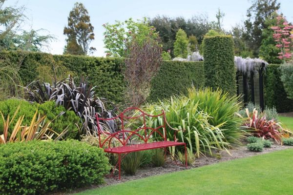 Can you achieve English-style borders with only NZ-born and bred plants? The answer's yes.