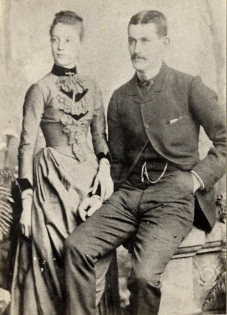 Who are the favourite couple in your FamilyTree? In about 1885, Elizabeth Anne Smith discovered that she had lost her purse, and therefore all of her savings. She reported it to the first Constable she found: Thomas Hassett. Later, when it was found, Thomas had the task of returning it to Elizabeth. From this developed a friendship, which led to courtship and marriage.
