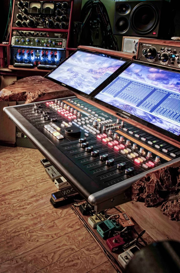 """I love the giant touch screens in this one! Takes """"In-The-Box"""" mixing to a whole new level of literal."""