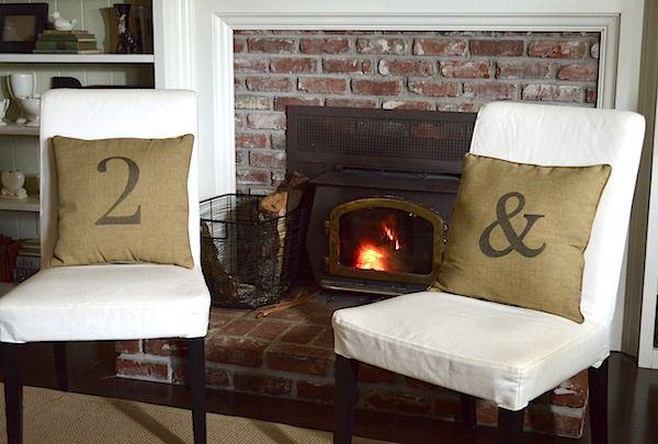 15 Minute DIY Sharpie Pillow {Number, Monogram, Ampersand...} - An Oregon Cottage