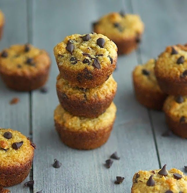 (Paleo) Choc Chip Muffins: Breakfast Muffins, Choc Chips, Chocolates Chips, Paleo Chocolates, Minis Muffins, Paleo Breakfast, Chips Muffins, Chips Minis, Paleo Recipes