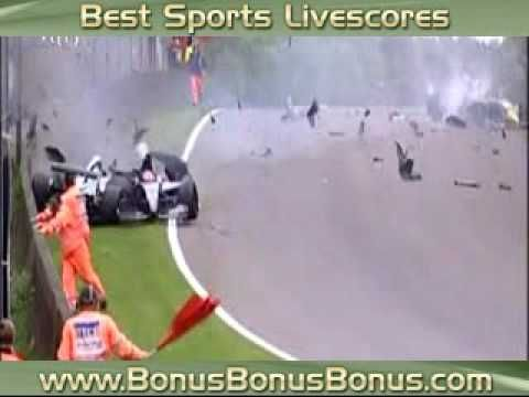 Pastor Maldonado crashing