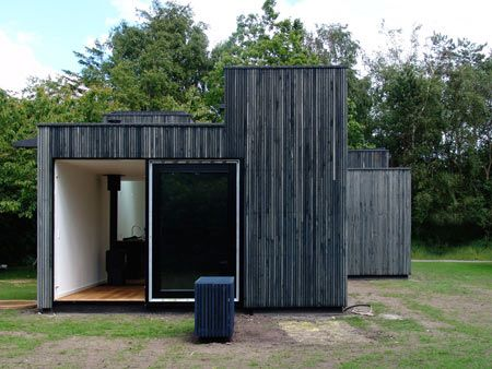 Google Image Result for http://static.dezeen.com/uploads/2009/07/skybox-house-by-primus-architects-03.jpg