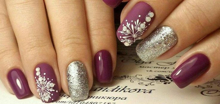 Glitter acrylic nails ideas for winter