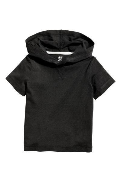 H&M €7,99 CONSCIOUS. Een tricot T-shirt van zacht biologisch katoen met een capuchon.