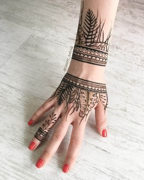 Mind blowing mehndi design for hands by @rabbyy_mehndi #mehndi #mehndidesign #henna #hennadesign