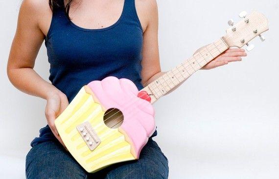 Cupcake ukulele! So awesome!