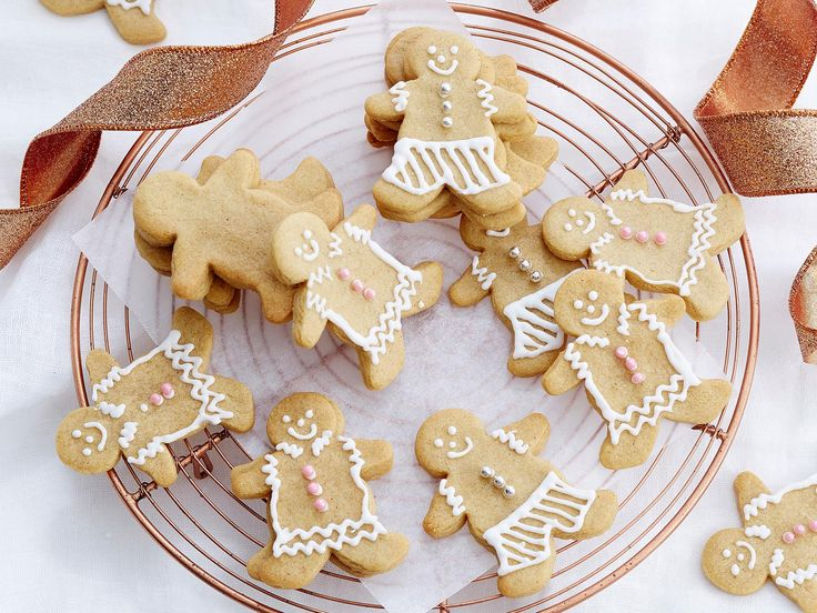 Whip up a batch of these tasty gingerbread cookies and get the kids involved with the decorating for a fun-filled Christmas-themed activity!