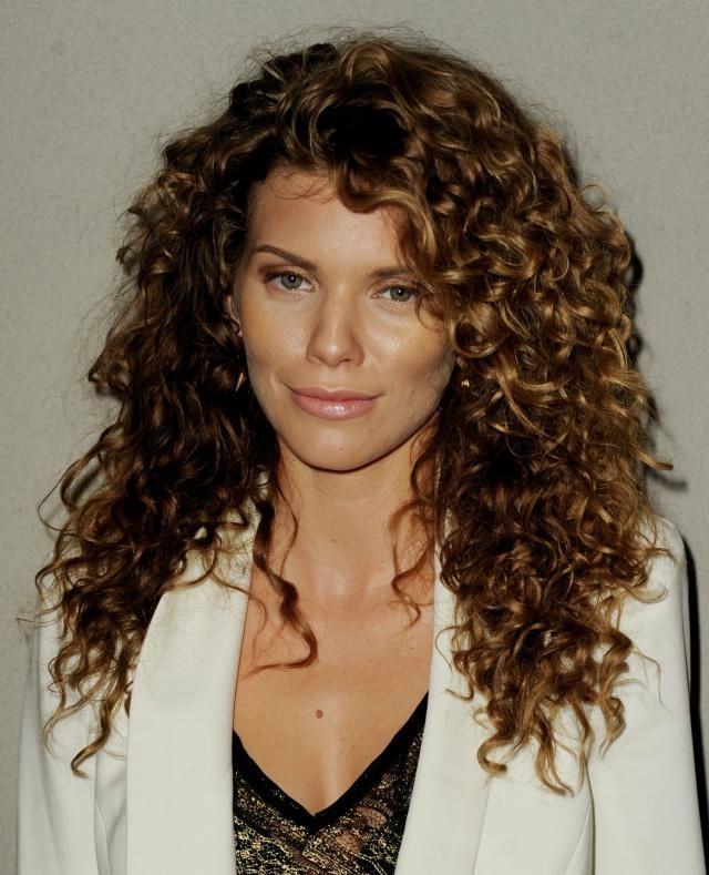 22 Hairstyles for Naturally Curly Hair 45