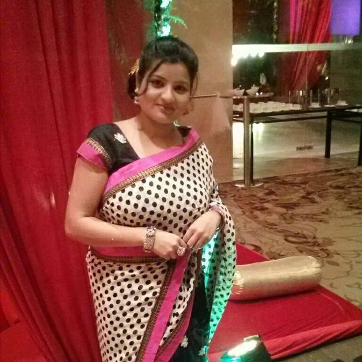Indian Hottest Aunties In Saree Bold Photos  Desi Girls