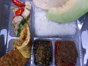 Nasi Padang - http://cateringsemarang.com/lunch/nasi-padang/