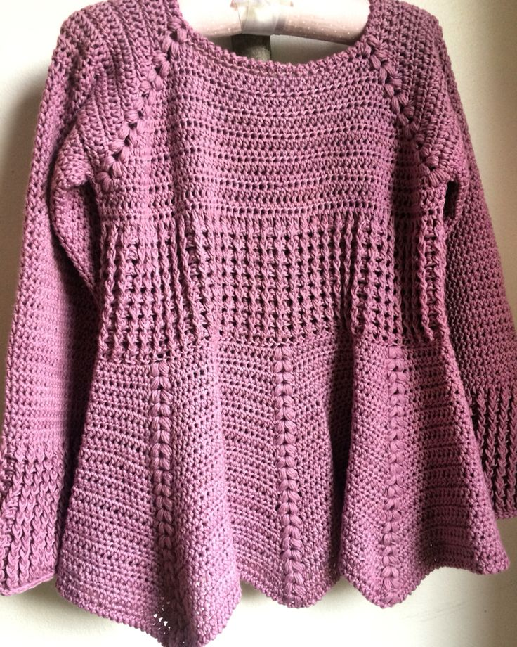 Crochet girl's sweater.(MOS)