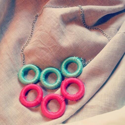 Rotelle rivestite di cotone #creative #jewelry #accessories #necklace #DIY