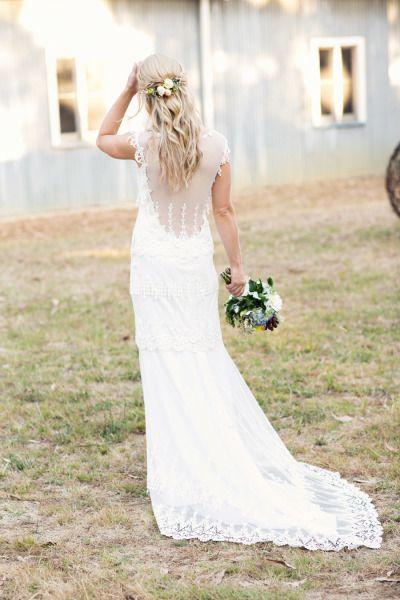 Laidback, rustic barn wedding: http://www.stylemepretty.com/australia-weddings/victoria-au/2014/06/10/laid-back-rustic-barn-wedding/ | Photography: http://louisabailey.com/