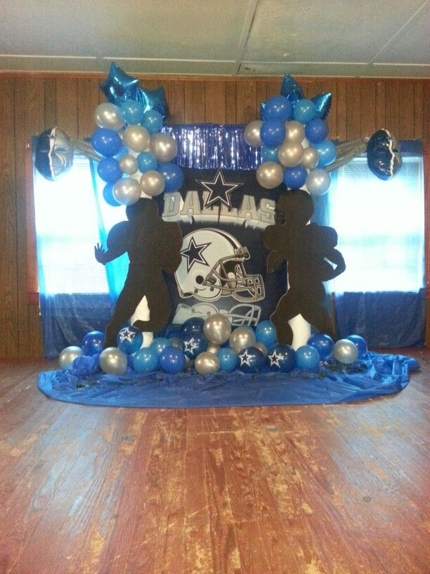 Dallas Cowboys birthday party photo station