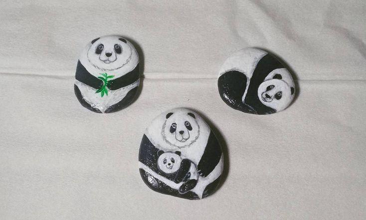 "8 Likes, 2 Comments - Rafa Pebble Art (@himawan_hijirosan) on Instagram: ""Rafa Pebble Art : Panda's Family #Handmadecraft #homedecor #homedecoration #dekorasi #dekorasirumah…"""