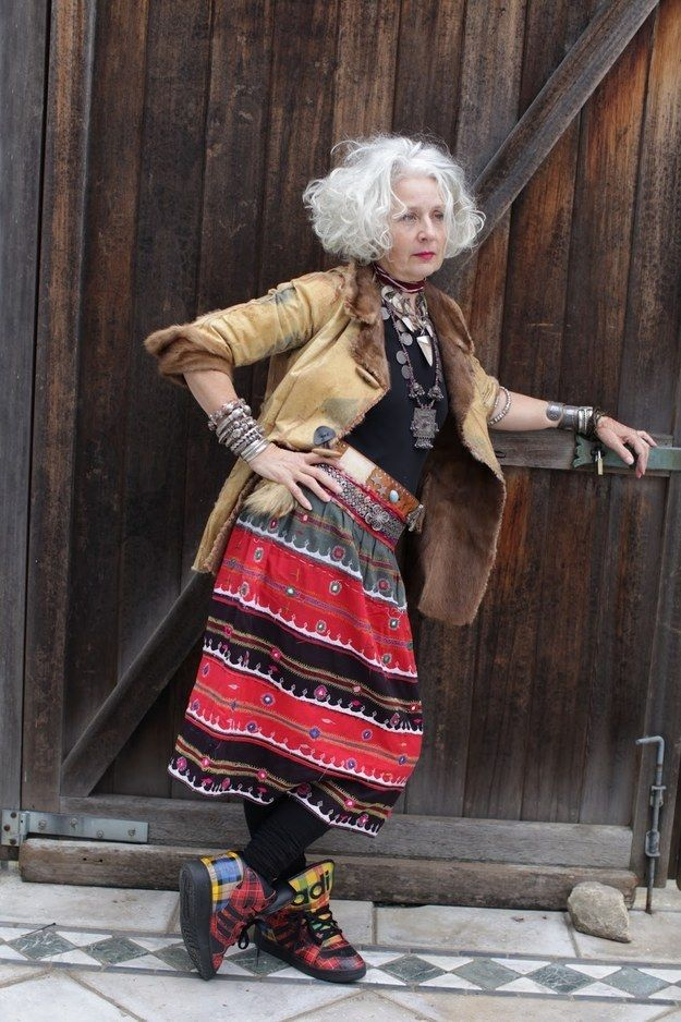 A Collector's Style (Advanced Style) - Lady Style Mature Fashion, Fashion Over, Look Fashion, Style Funky, Style Me, Style Blog, Super Mamie, Stylish Older Women, Beautiful Old Woman