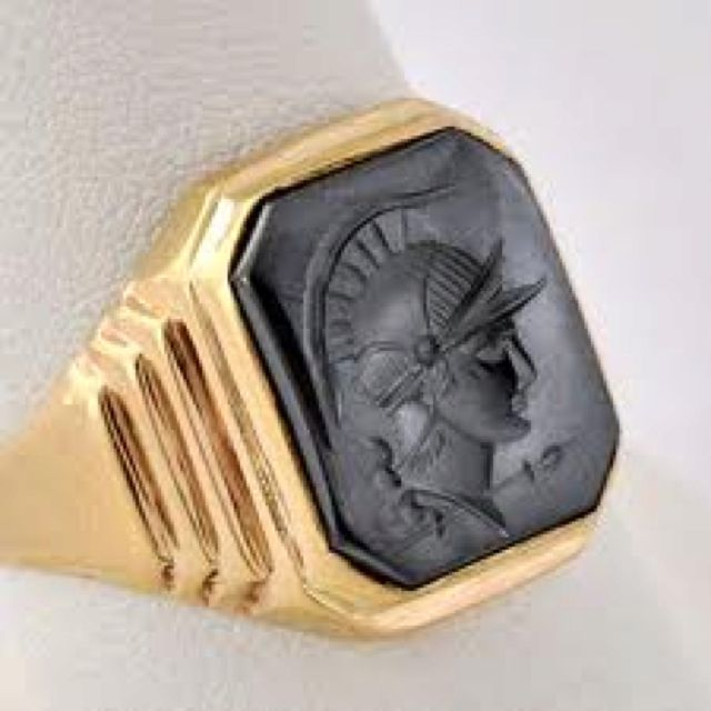 Art deco mens ring: Alexander the great .,.. Well that's interesting!  Didn't realize it was Alexander the Great!