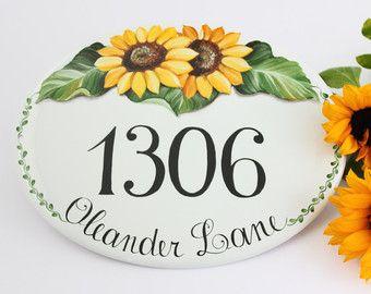 Hand painted Flowers Number sign/ Home Address por DipintoAdArte