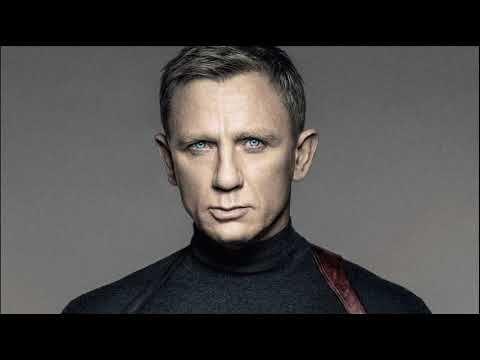 Daniel Craig, English Actor.