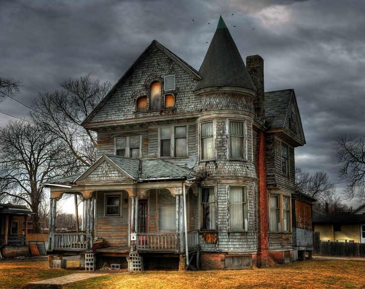 Can you imagine how beautiful this house was in its time?