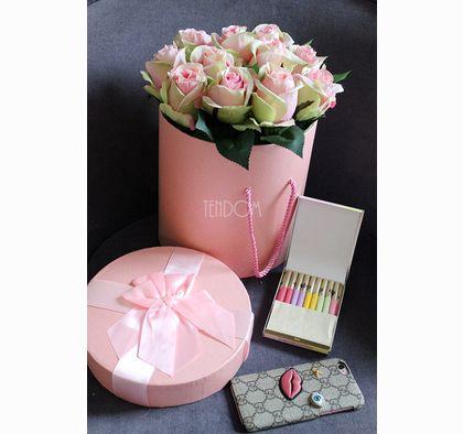 Przystań Kasi to miejsce, w którym podzielę się z Wami swoimi inspiracjami, pracami i tym co sprawia, że każdy mój dzień to słoneczny dzień. #flowerbox #tendom.pl #present