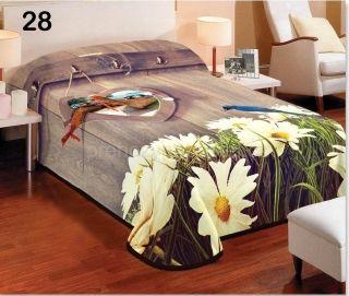 Denní přikrývka na postel v hnědé barvě s margaretami