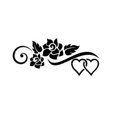 Tatuaggio cuori con fiore