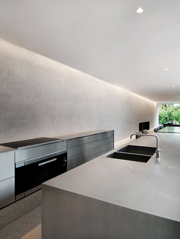 Courtyard House Melbourne | Carr Design Group - More outstanding interiors on http://www.stylingblog.nl